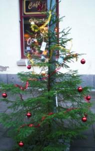 En pyntad julgran